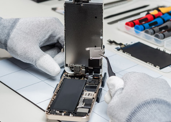 STEP3 データ復旧・基板修理作業